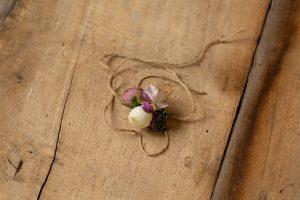 Diadema flores moradas