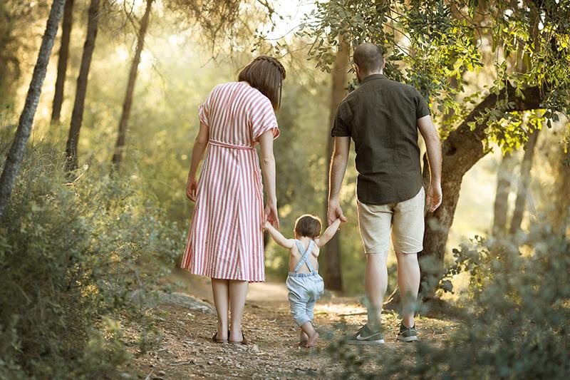 Fotografía de familia en Valencia al atardecer