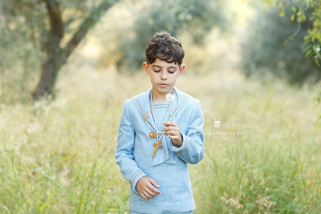 Fotos de niño de comunión en exterior