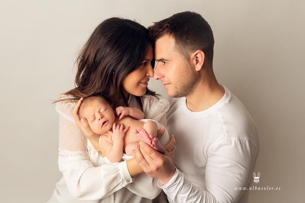 fotos de recién nacido con padres